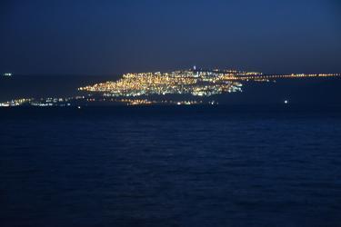 Tibériade depuis Capharnaum (de Nuit)